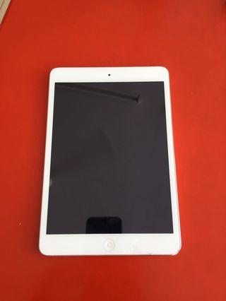 Ipad Mini 2 With Box & Charger 16GB