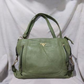 Tas Prada leather 33x30