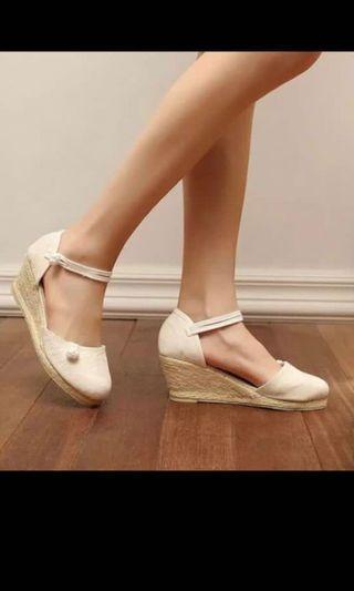White high flat shoes (women) heels