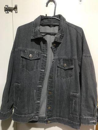 灰色牛仔外套