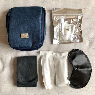 Travel kit & pouch w/hook