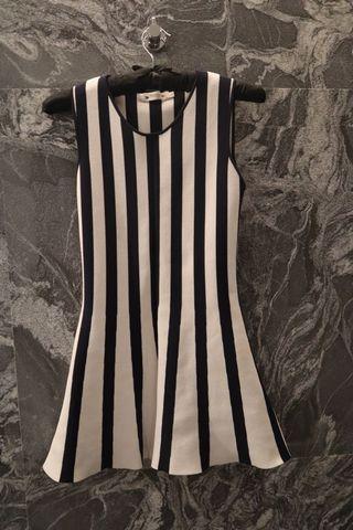 Sexy 小心機露腰條紋 無袖短洋裝