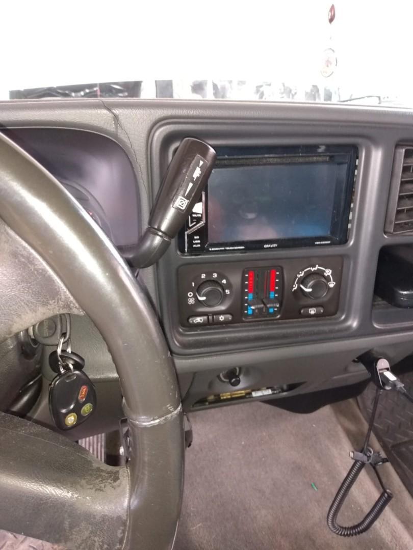 2003 GMC Sierra Duramax Diesel Engine 6.6 Bring 229 thousand miles In excellent condition.