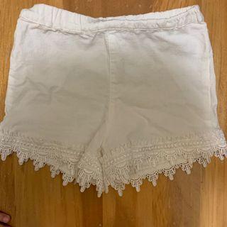 👧小女鵝の白色短褲 90cm