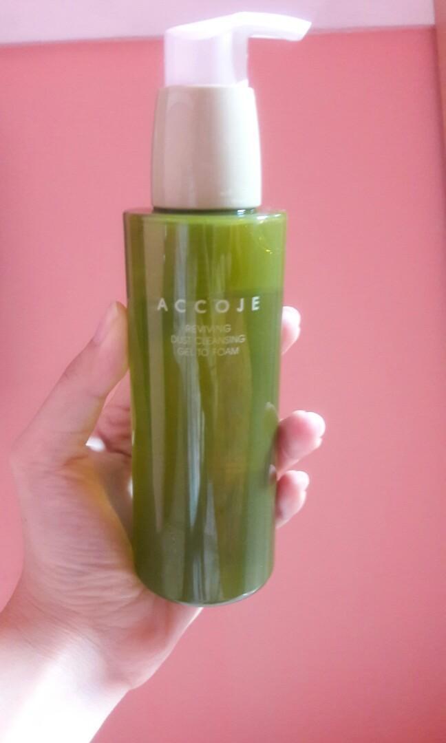 Accoje reviving dust cleansing gel to foam, Kesehatan & Kecantikan ...