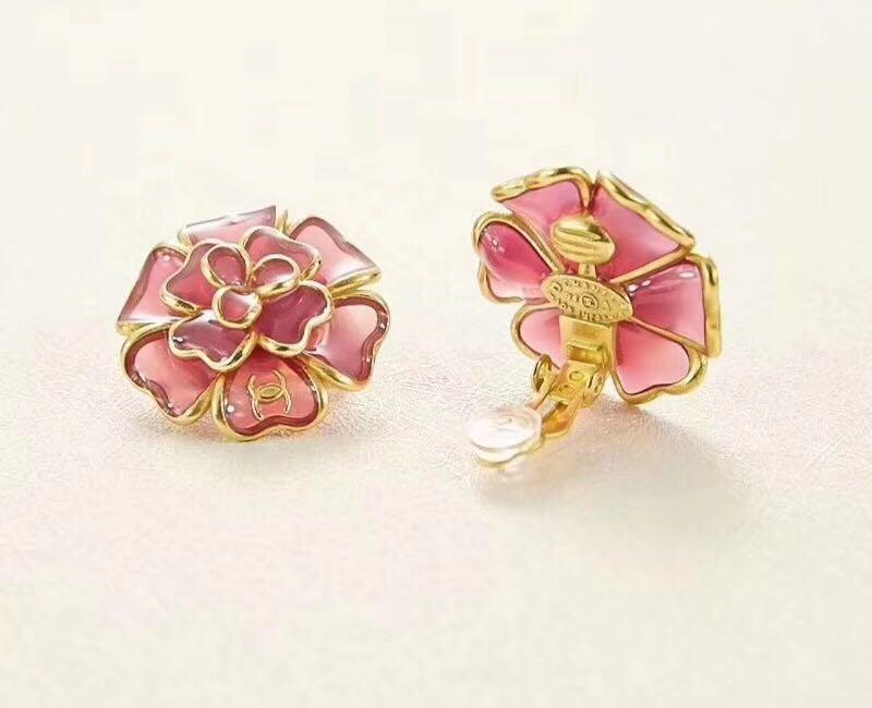 Chanel vintage gripoix glass Pink camellia flower earrings