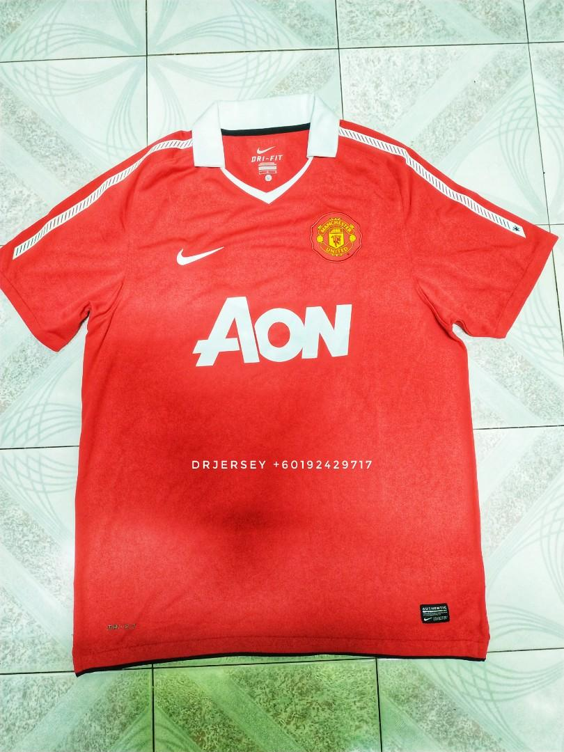 manchester united jersey home kit 2010 11 sports athletic sports clothing on carousell carousell