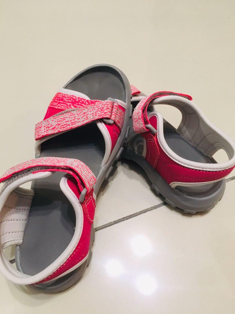 Sandals / Slipper (Almost NEW)