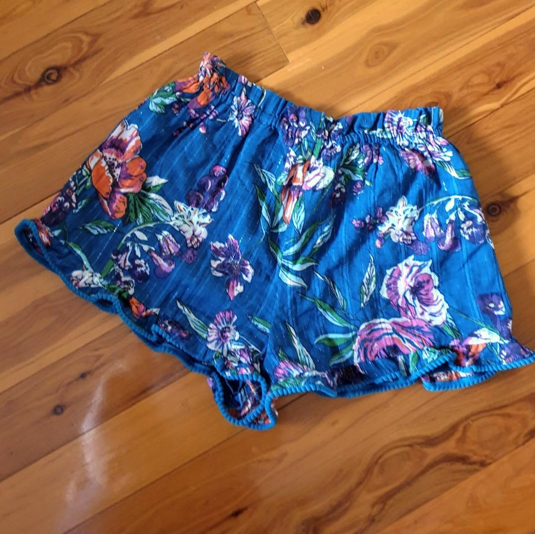 Women's size S 'NEXT' Gorgeous multicoloured floral print boho shorts - AS NEW