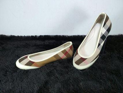 Burberry shoes for kids