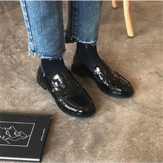 韓版亮面皮鞋