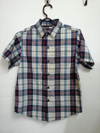 place boy shirt