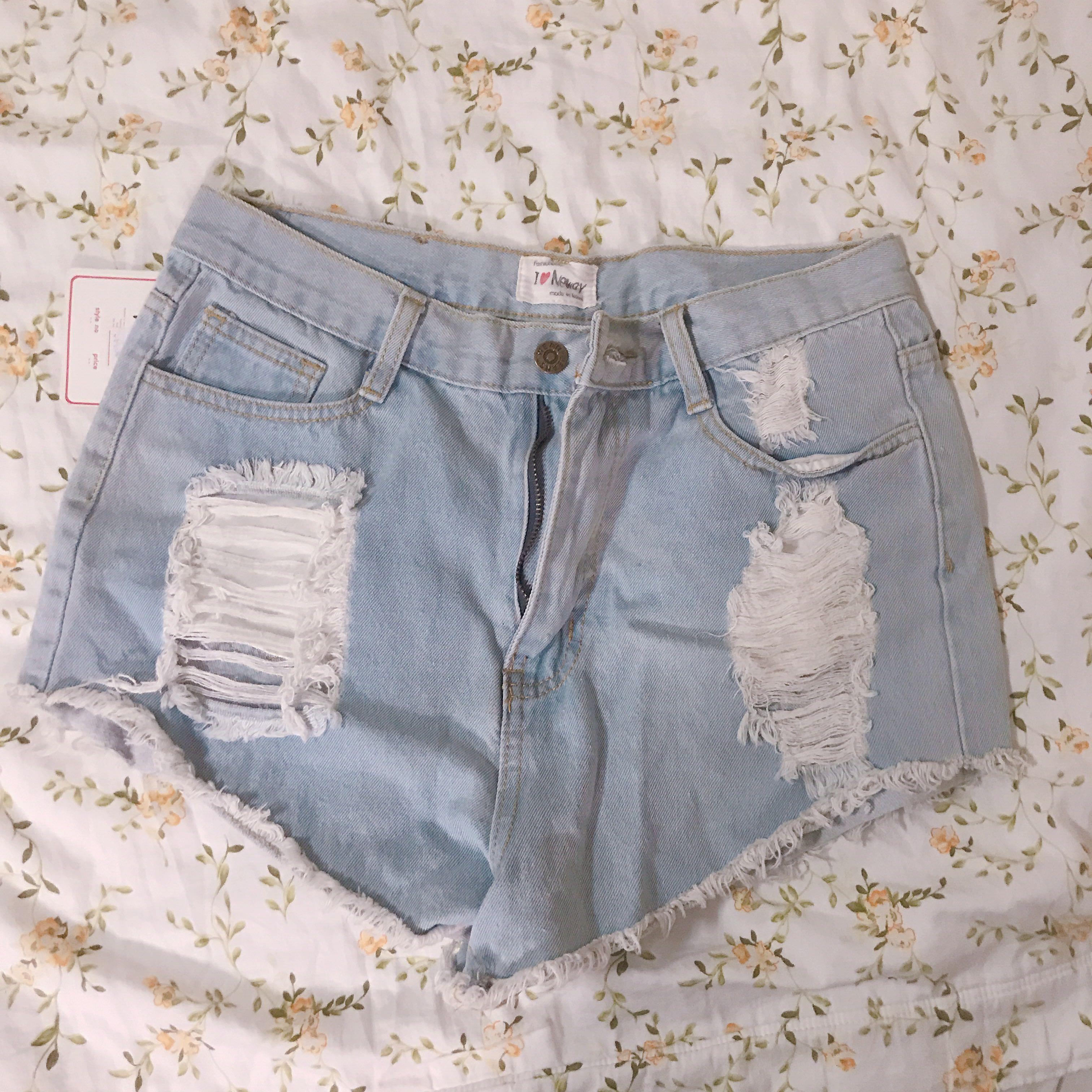 100%韓國製、刷破淺色牛仔短褲