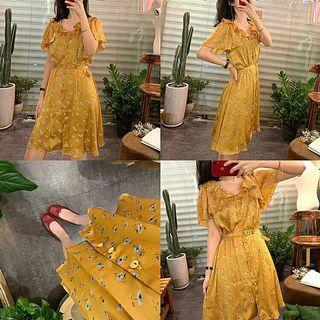 故事裡的小黃花桔梗裙