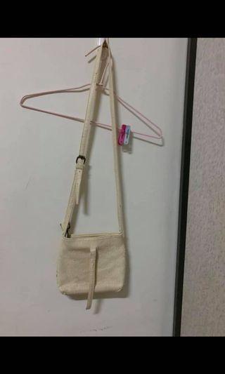 !買一贈一!氣質小包包/有滿嚴重的脫皮,不介意再喊,請參考圖片