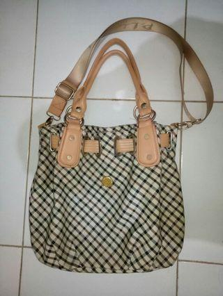 Tas perempuan