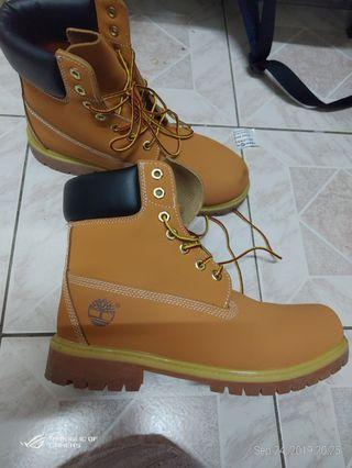 Timberland boots for men 9.5