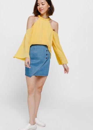 Size XS: Love Bonito Galna Pleated Off Shoulder Top