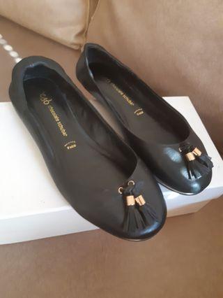 Chocolate shubar flat shoes