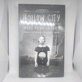 Novel Inggris - Hollow City by Ransom Riggs