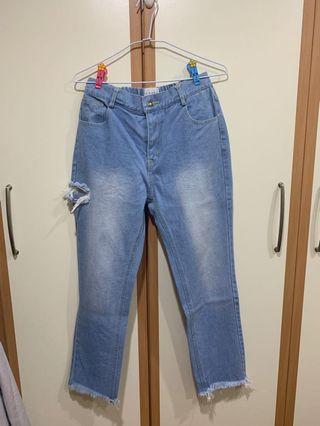 [全新] CUNZ韓國連線🇰🇷側邊咬一口!後鬆緊下鬚刷色淺藍牛仔褲👖