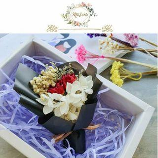 Blackish Theme Mini Floral Bouquet • 黑色系迷你花束