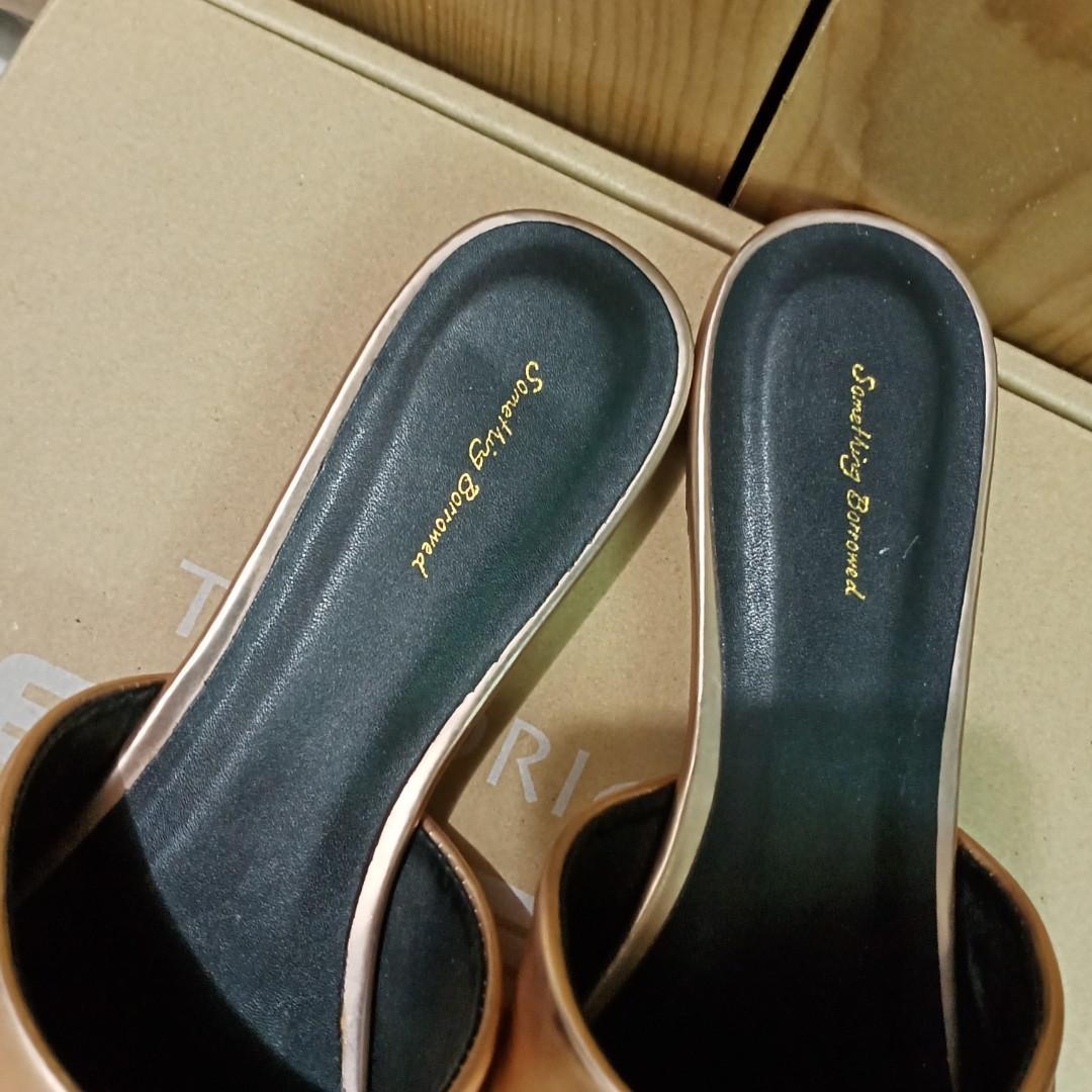 美人魚尖頭平底鞋