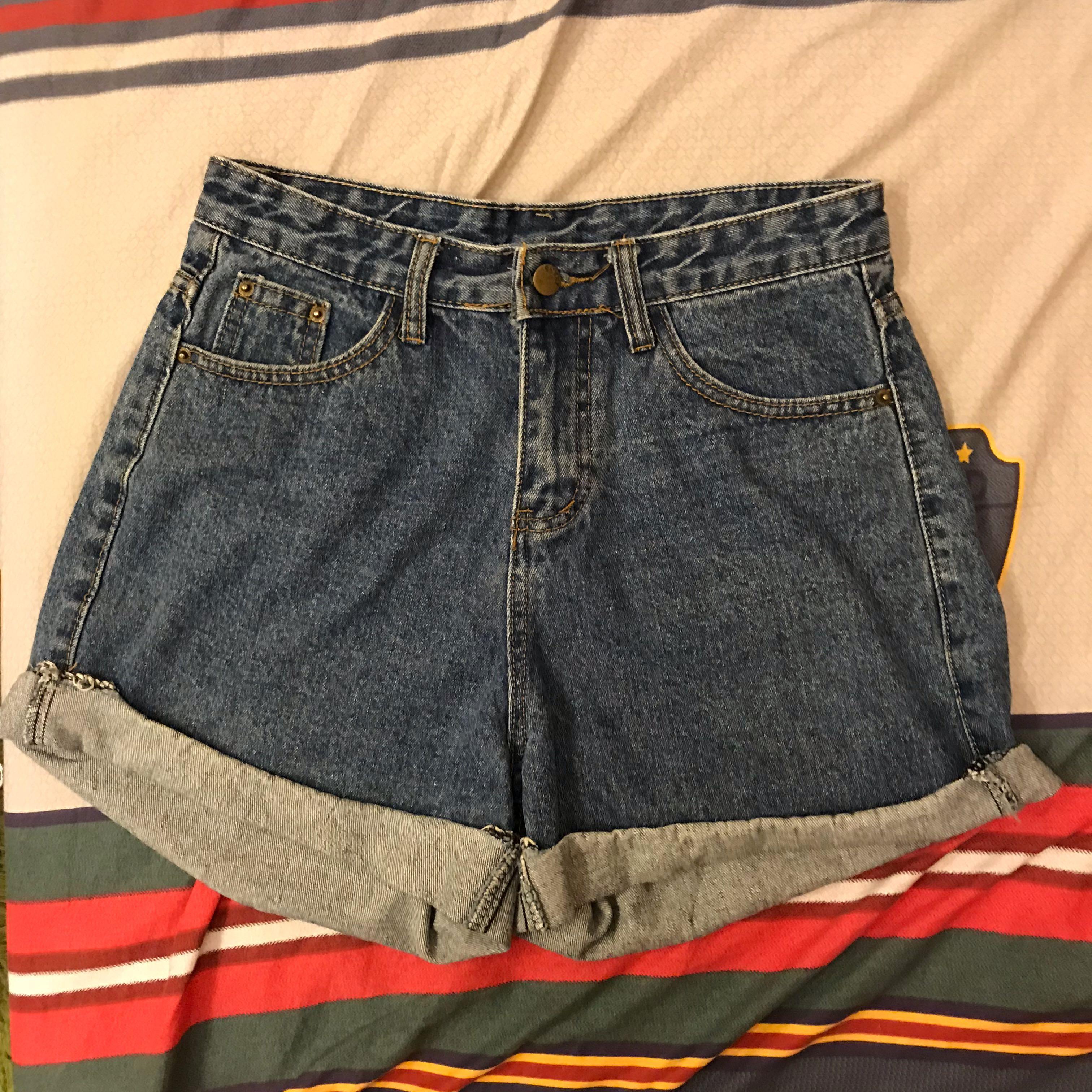 牛仔反摺短褲✨✨