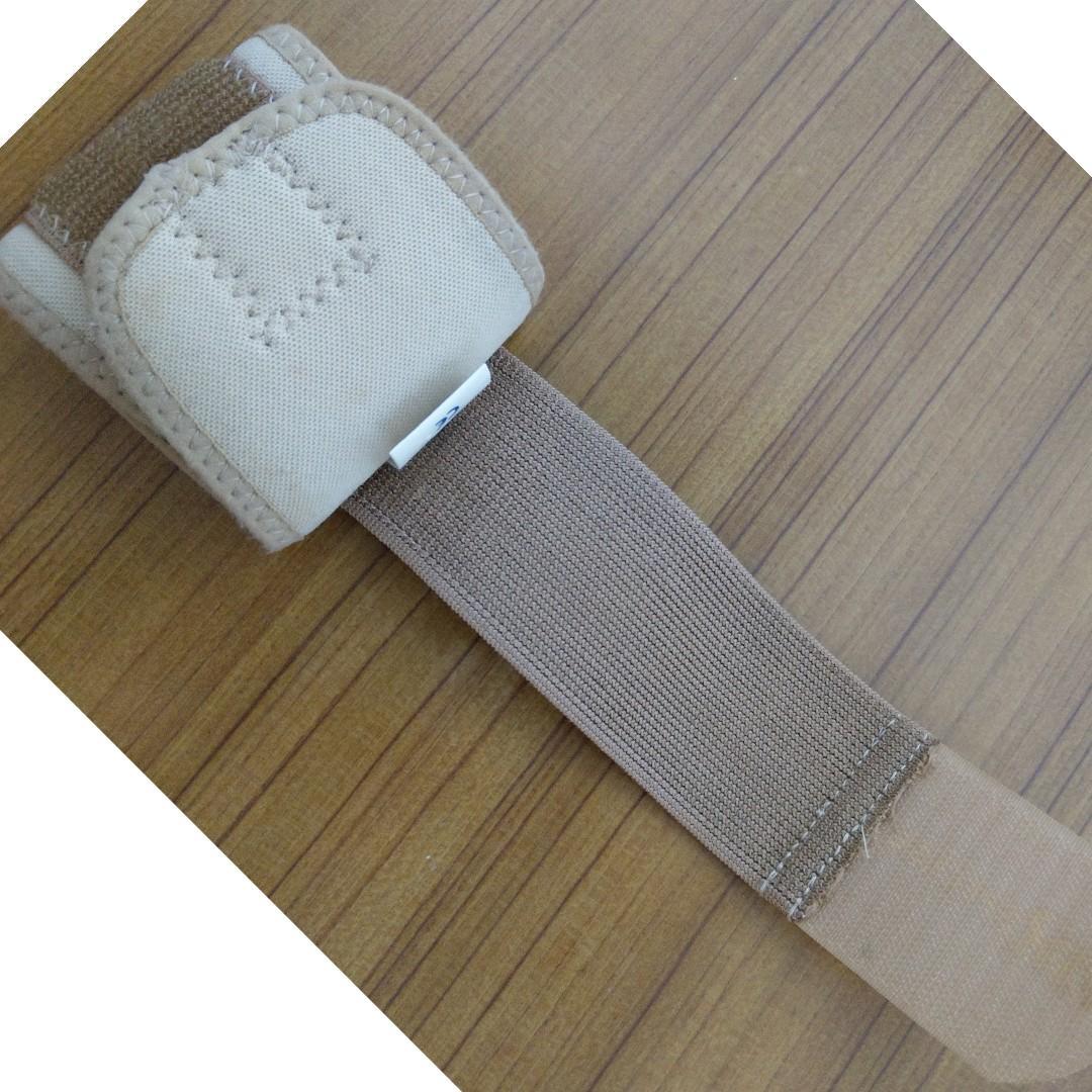 調整型護腕 Free Size 現在沒在使用,便宜賣。