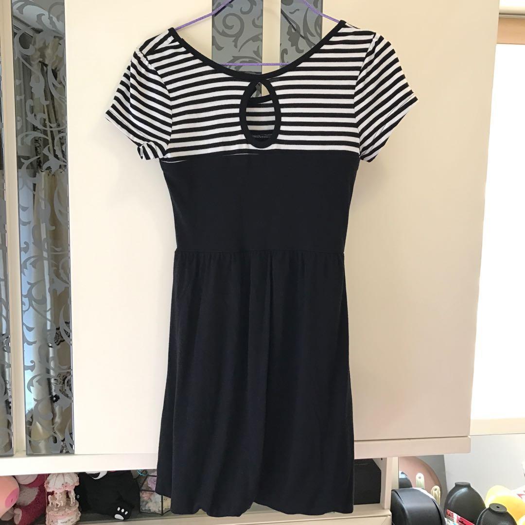 日本黑色白色間條短袖連身裙  日系one piece 修腰顯瘦 返工 OL衫 去飲 謝師宴 grad din