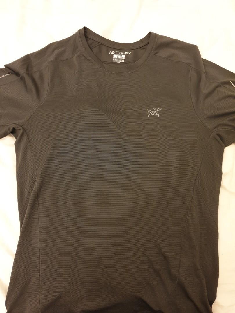 ARC'TERYX t-shirt Sz M but fits Sz S
