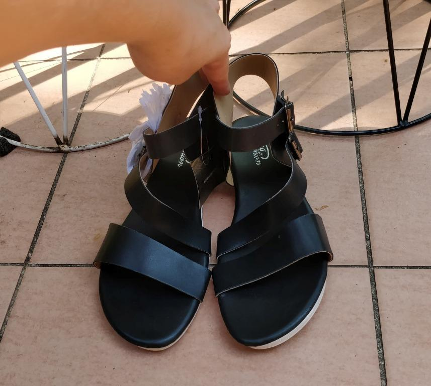 Black strappy chunky sandals white double buckle blogger festival summer leather look windsor smith cotton on rubi kookai novo billini