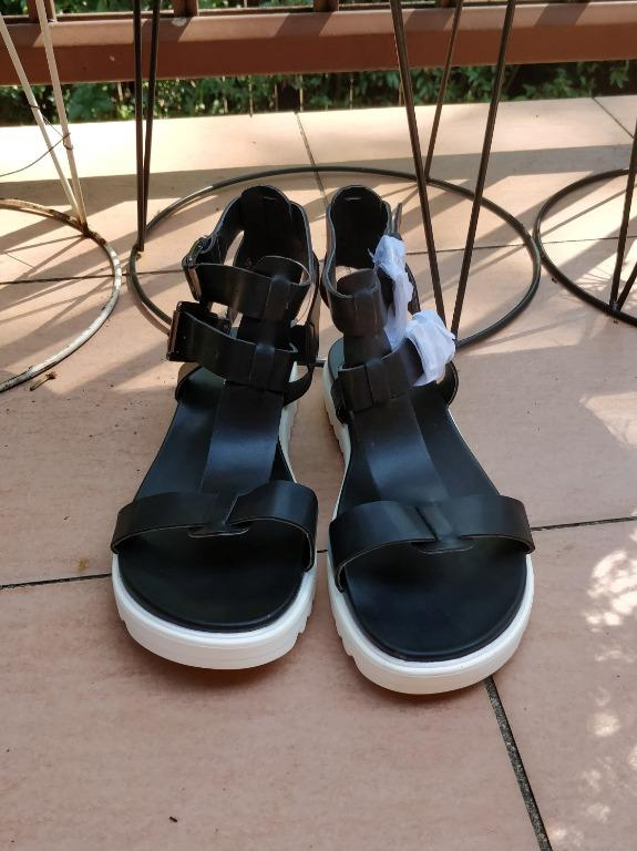 Black t-bar chunky sandals cleated double strap buckle festival summer leather look windsor smith cotton on billini novo rubi