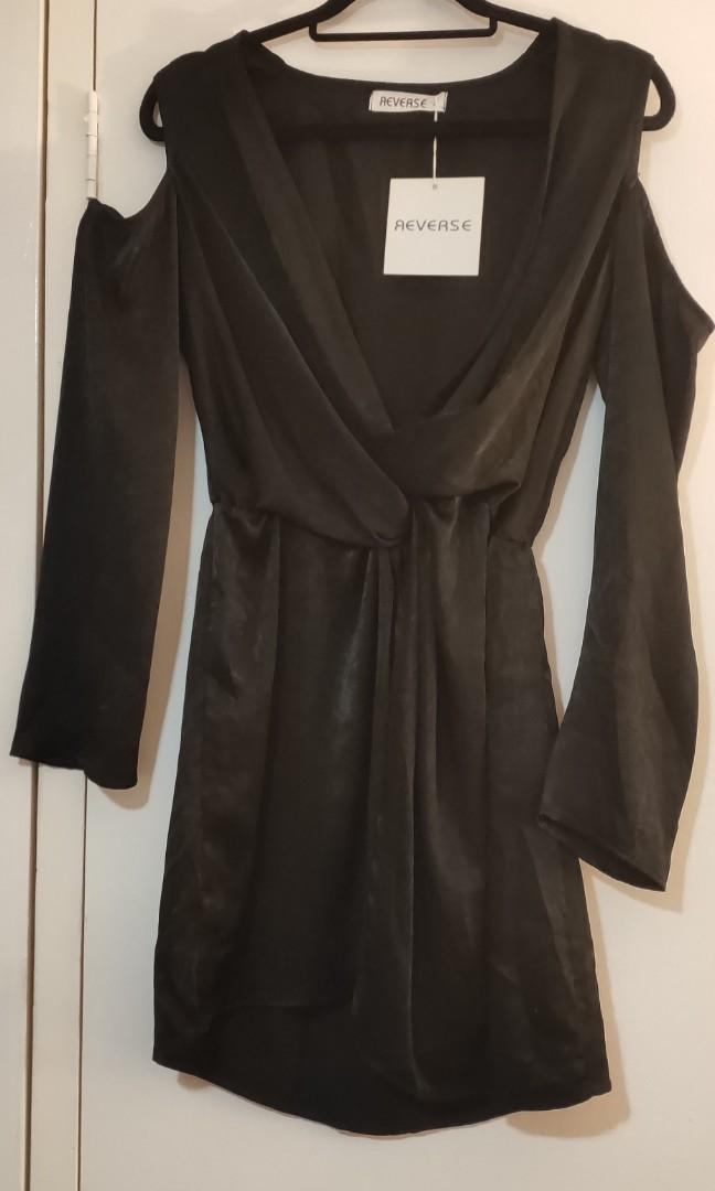 "*""Still Available!"" Brand New Black Long Sleeve Cold Shoulder Twist Front Top"