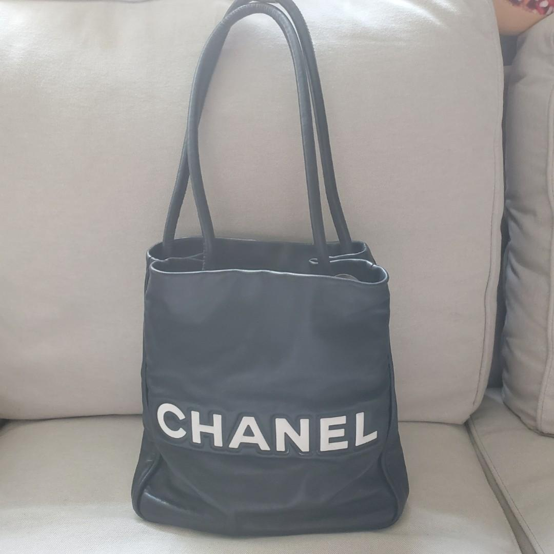 Chanel Camellia leather tote bag