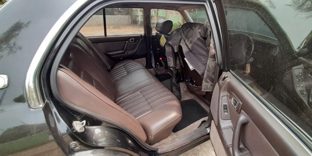 Edisi Bosen Mobil Clasic Toyota Crown Royal Saloon 2000cc