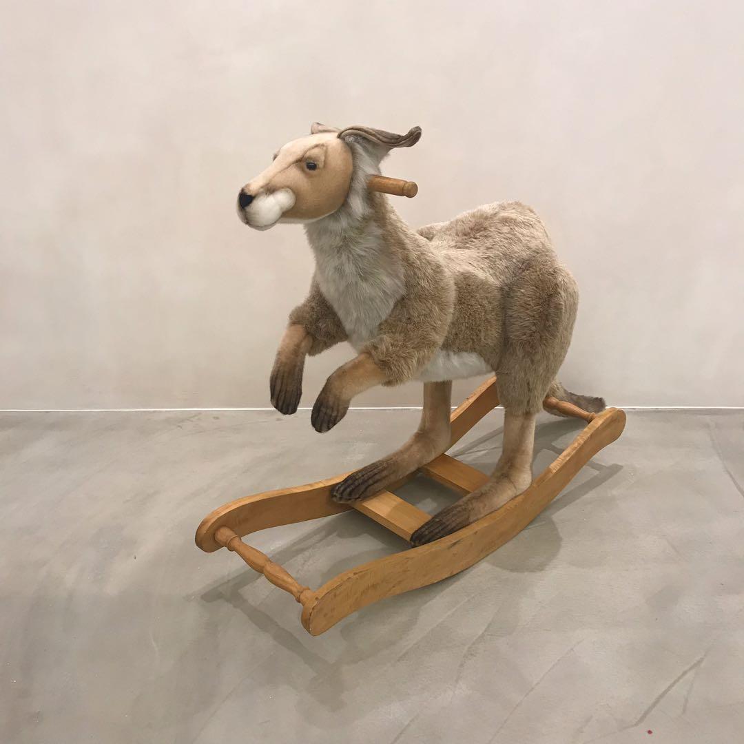Hansa 仿真動物 手工製作 袋鼠搖椅 Krystal the Kangaroo Rocking Chair by Hansa
