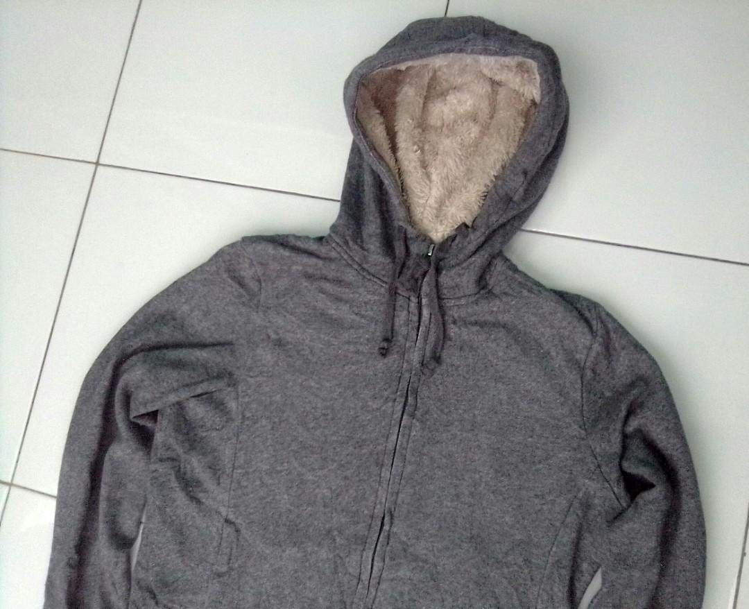 Jaket sweater zip hoodie zipper uniqlo original