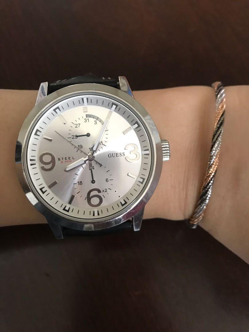 Jam tangan Guess Watch black leather strap kulit hitam unisex pria wanita