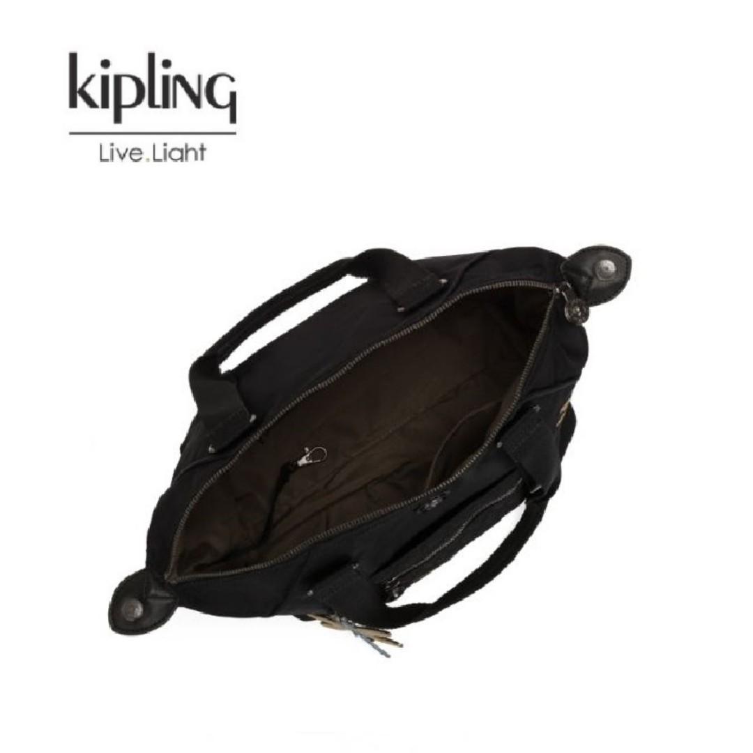 Kipling X Christine Lau聯名款黑底蜻蜓刺繡斜背包 ART-S