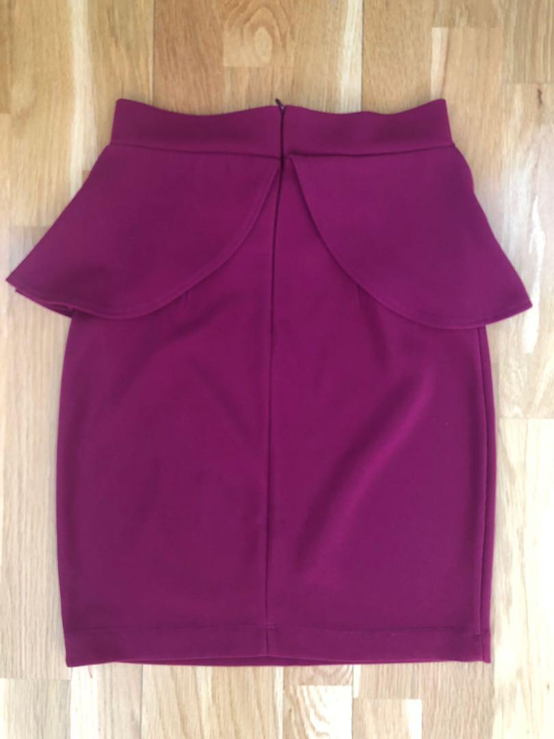 Bardot Maroon peplum stretchy bow skirt - EUC size 8