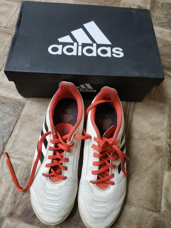 Sepatu Futsal Adidas Predator