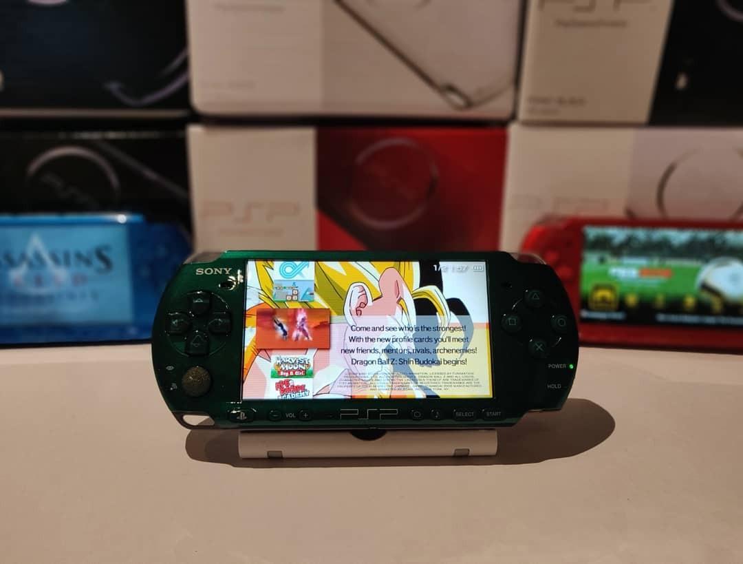 Sony Psp 3000 / 2000/ 1000 + 800 Games + Psp Original Packaging+Screen Protector