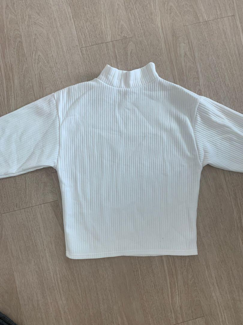 White Top sweater