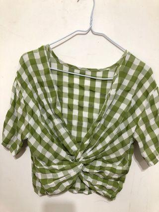 綠格紋交叉上衣