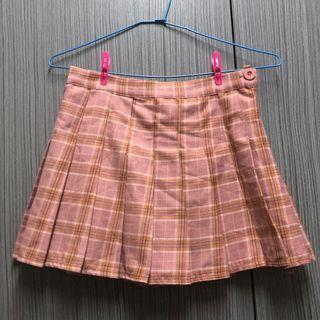 粉格百褶裙