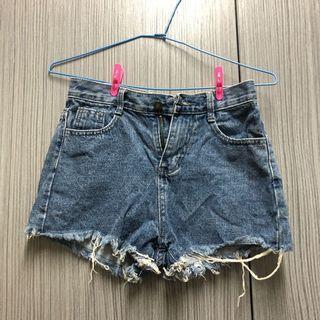 玫瑰刺繡短褲