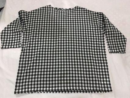Top blouse kotak hitam putih gede