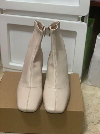 全新 米白色襪靴
