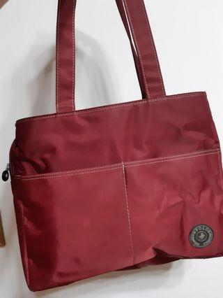 酒紅色 側背包